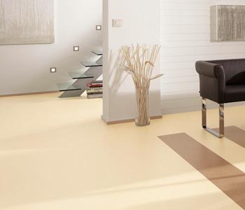 ein vergleich zwischen zwei bestsellern. Black Bedroom Furniture Sets. Home Design Ideas